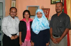bersama Ibu Sulis dan dua tamu dari Maluku