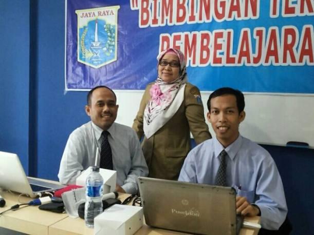 Bersama Nara Sumber Pak Sukani & Kasi SMK Sudin Dikmen Jkt Sel Ibu Latifa