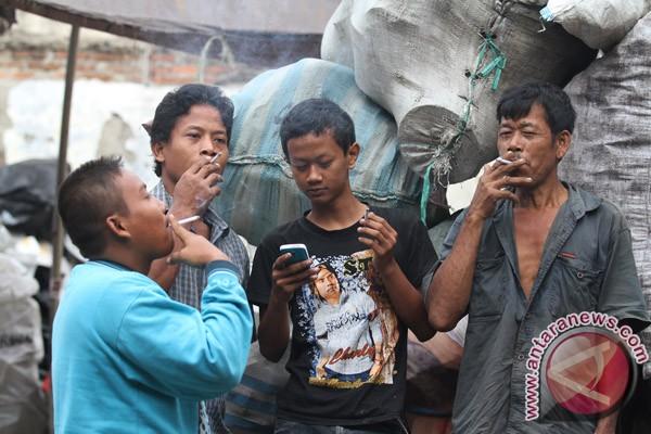 20120601Konsumsi-Rokok-Indonesia-310512-MAR-2