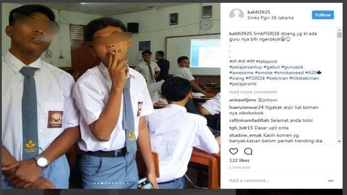 siswa-sma-yang-dihujat-netizen-karena-merokok-di-dalam-kelas-20170726-145031-1705609f0d2d549ccd0d6bb311ed220c